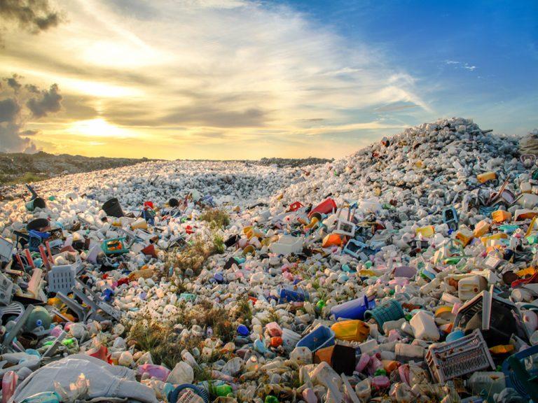Egy ország, ahol mérgezőnek nyilvánították a műanyagot