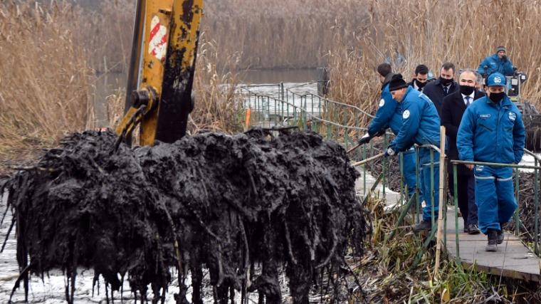 A ráckevei olajszennyezés évtizedek óta a legsúlyosabb természetkárosítás